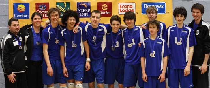 L'équipe 2010-2011 qui a remporté la médaille d'argent au championnat provincial et un 10e place au championnat canadien de l'est